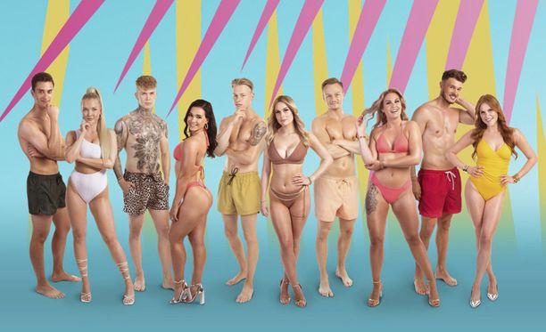 Tässä ovat Love Island Suomi -sarjan uudet sinkut. Nico (kolmas vasemmalta) ei päässyt palaamaan ohjelmaan.