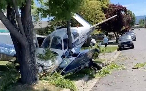 Pienkone rysähti keskelle naapurustoa Oregonissa
