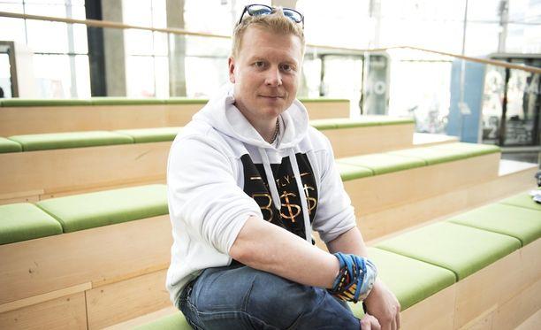 Selviytyjät Suomi -voittaja Sampo Kaulanen paloi Espanjan auringossa hermolomalla.