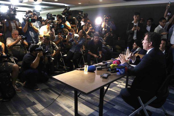 Conmebolin puheenjohtaja Alejandro Domínguez kertoi liiton johdon päätöksestä Copa Libertadoresin suhteen tiistaina.