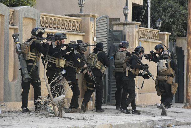 Terrorismin vastaisen erikoisyksikön taisteluharjoitus Itä-Mosulissa.