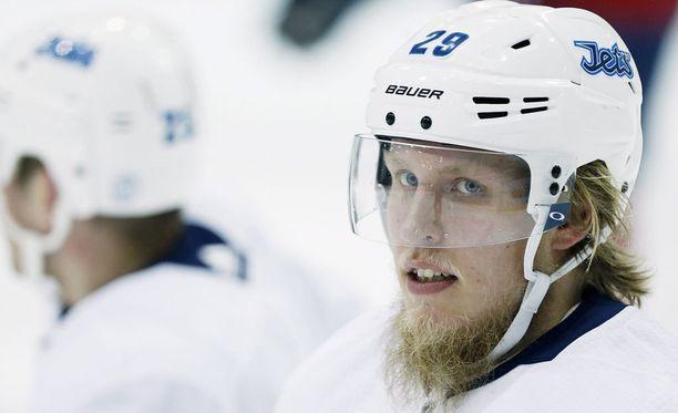 Patrik Laine on ottanut kahden NHL-kautensa aikana paikkansa winnipegiläisten sydämissä.