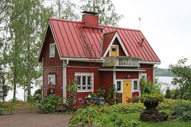 Akaalla sijaitseva keräilyhenkinen mökki valittiin Suomen kauneimmaksi.