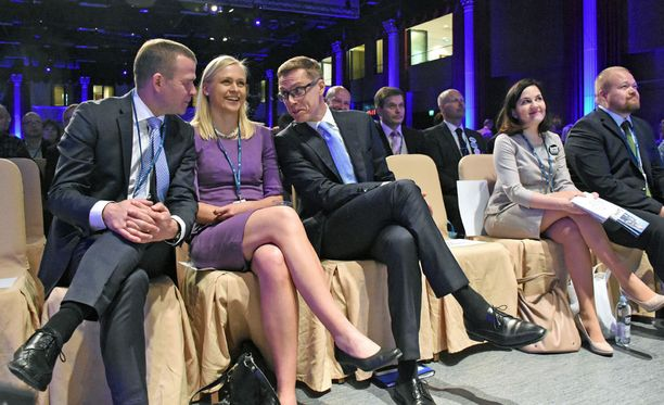 Elina Lepomäellä on kaikkea, mitä ministeriksi tarvitaan.