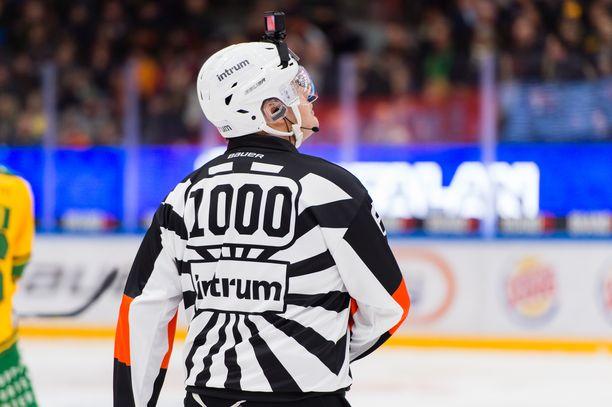 Timo Favorinin numero on 1000 perjantain juhlaottelussa.