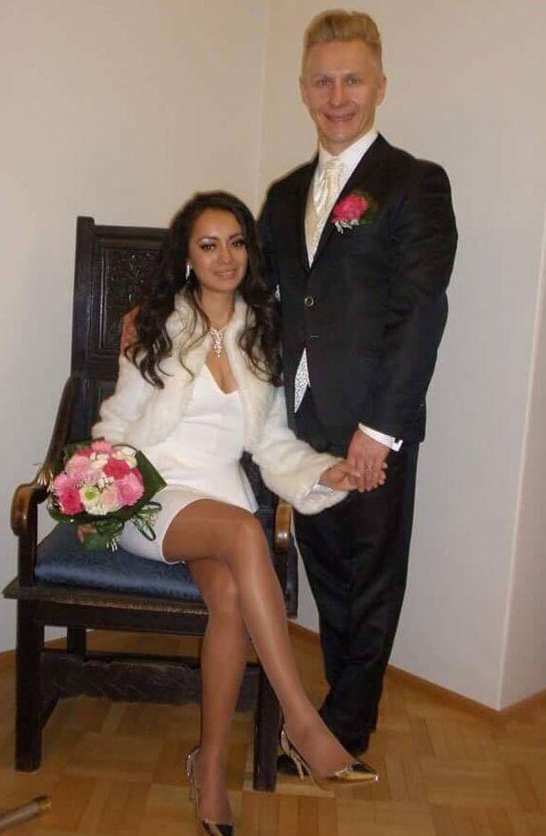 Mikael Jämsänen ja Daniela jatkavat elämäänsä Britanniassa.