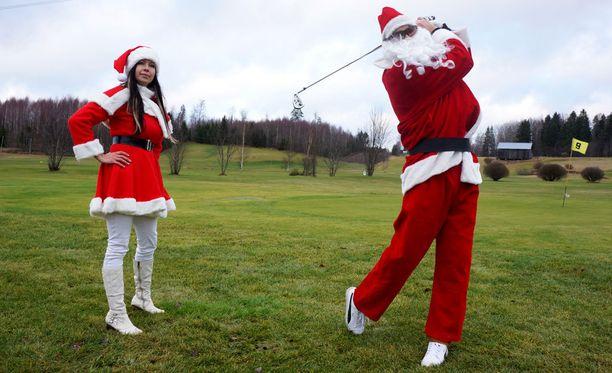 Vuonna 2013 Etelä-Suomessa oli vain kolme päivää ennen joulua niin lämmintä ja vehreää, että Joulupukki intoutui golfaamaan.