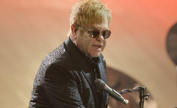 Elton John vietti viime viikolla 69-vuotispäiväänsä.