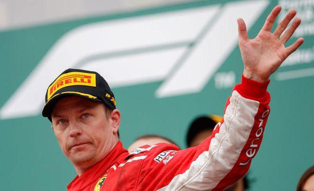 Tuttua puuhaa! Kimi Räikkönen on heilutellut palkintokorokkeella 94 kertaa F1-urallaan.