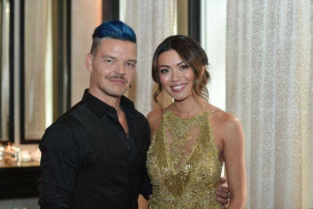 Shirly Karvinen ja Jani Rasimus odottavat jo Tanssii tähtien kanssa -ohjelman alkamista.