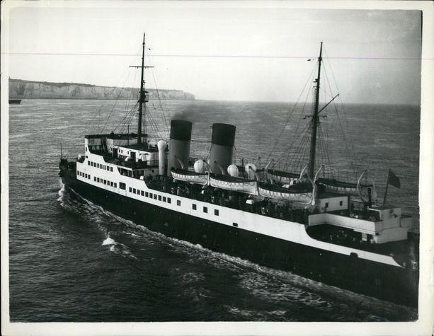 1950-luvulla Dinard oli mukana mini-Dunkerqueksi kutsutussa evakuoinnissa: tuhannet brittituristit jäivät jumiin Ranskaan lakon vuoksi, ja Dinard kuljetti heitä suuren määrän kotiin.