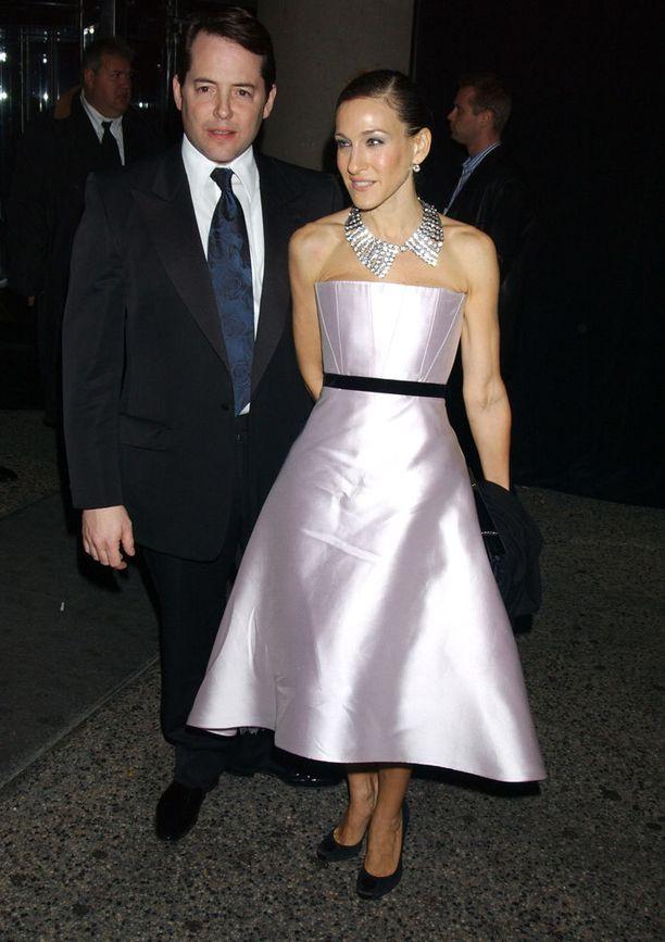2005: Sarah Jessica ei ole koskaan pelännyt näyttäviä statement-koruja.