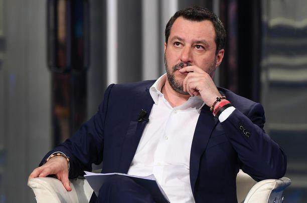 Matteo Salvini haluaa itsekin vastata oikeudessa teoistaan.