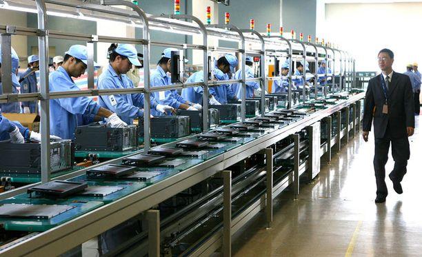 Lenovon tehdas Kiinan Shanghaissa vuonna 2007. Lenovo on tällä hetkellä maailman suurin tietokoneiden valmistaja.