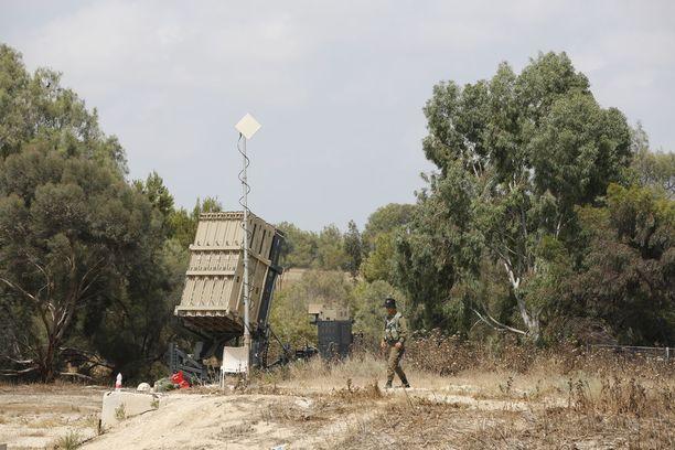 Israelin ilmapuolustusjärjestelmä Iron Dome kykenee torjumaan osan Gazasta ammutuista raketeista.