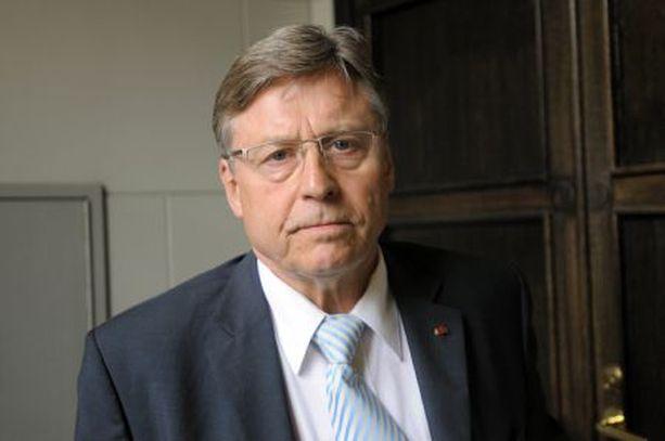 Pertti Salolainen on huolissaan Suomen vesistöjen ja metsien tilasta.