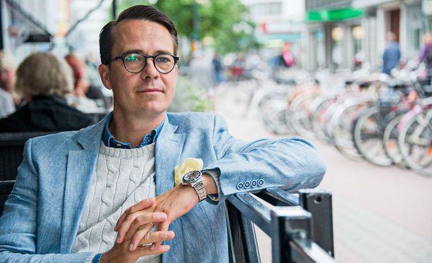 Carl Haglund jätti politiikan, mutta pitää edelleen poliitikoista.