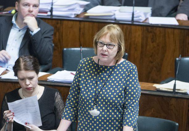 Annika Lapintie (vas) on johtanut perustuslakivaliokuntaa tämän vaalikauden.