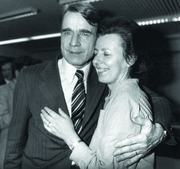 Tellervo Koiviston puoliso presidentti Mauno Koivisto kuoli 1,5 vuotta sitten. Kuvassa pariskunta vuonna 1982.