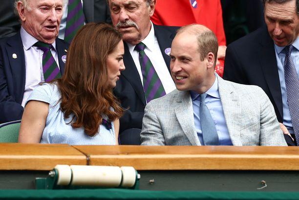 Prinssi William ja herttuatar Catherine alkoivat seurustella vuonna 2003.