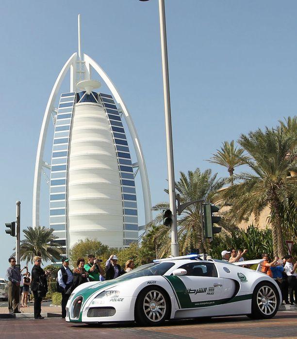 2030 Bugatti Veyron: Robocop-elokuvasta Tulee Todellisuutta