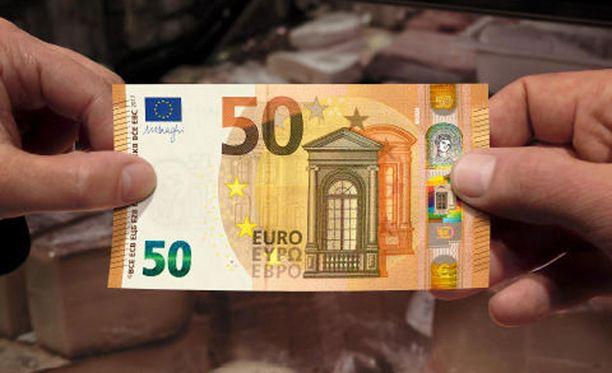 Euroopan keskuspankin (EKP) mukaan 4. huhtikuuta 2017 otettavat setelit ovat entistä turvallisempia käyttää.
