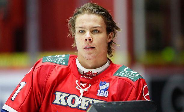 Olympialaisiin matkaava Miro Heiskanen on tehnyt vaikutuksen pakkipariinsa.