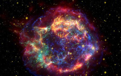 Jos Betelgeuse räjähtää supernovana, ihmisen lävistää 2 sekunnissa 2 000000 000000 000000 neutriinoa