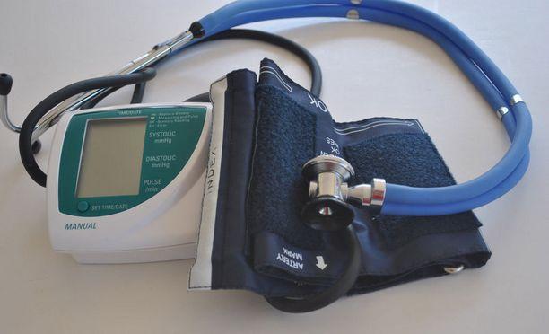 Lääkärin vastaanotolla mittaamat korkeat verenpainelukemat nekin ennustivat tulevia oireita, mutta yhteydet eivät olleet yhtä voimakkaita.