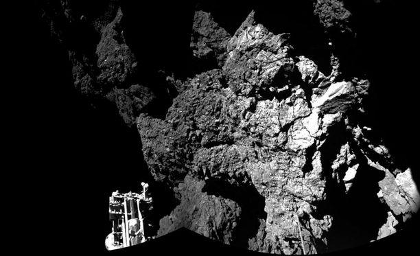 Philae otti kuvan komeetan pinnalta.