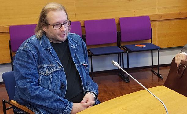 """Asko """"Daffy"""" Terävä kertoi Olli Lindholmin vaatineen häntä muuttamaan ulkonäköään bändissä."""