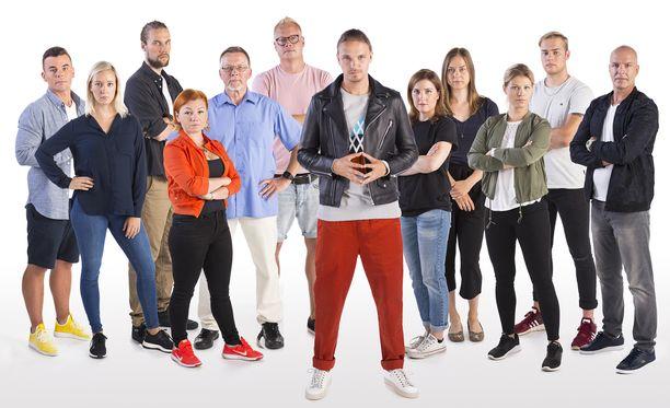 Roope Salmisen juontama Myyrä on MTV3:n uutuussarja, jossa 11 suomalaista kilpailijaa ratkoo joukon tehtäviä, jotka vaativat älyä, rohkeutta ja kestävyyttä.