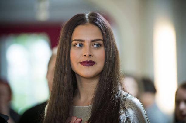 Vuonna 2016 Sara Forsberg näytti tältä Talent Suomi -pressitilaisuudessa.