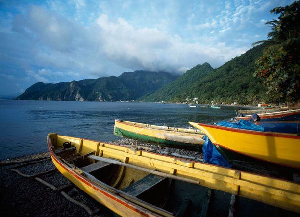 Dominica on tuntemattomampi Karibian kohde.