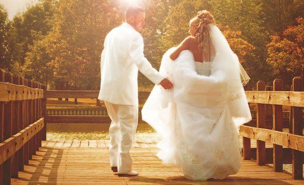 Espanjan viranomaiset epäilevät tuoreen avioparin karanneen kotimaahansa Romaniaan. Kuvituskuva.