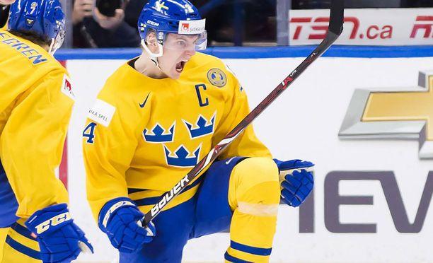 Mitalinsa katsomoon heittänyt Lias Andersson oli Ruotsin kapteeni alle 20-vuotiaiden MM-kilpailuissa.