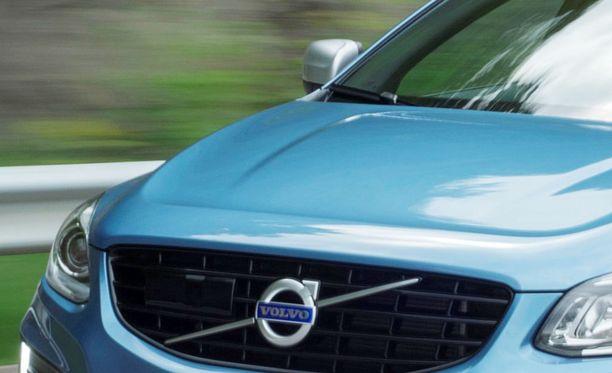 Volvo XC60-dieseleitä uhkaa polttoaineen loppuminen kesken matkan.