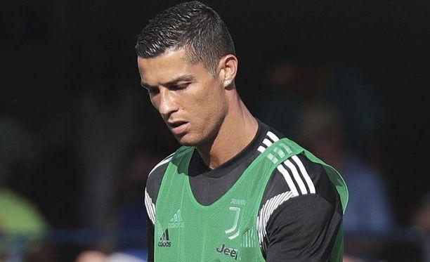 Cristiano Ronaldo aikoo haastaa Der Spiegel -lehden oikeuteen lainvastaisesta uutisoinnista.