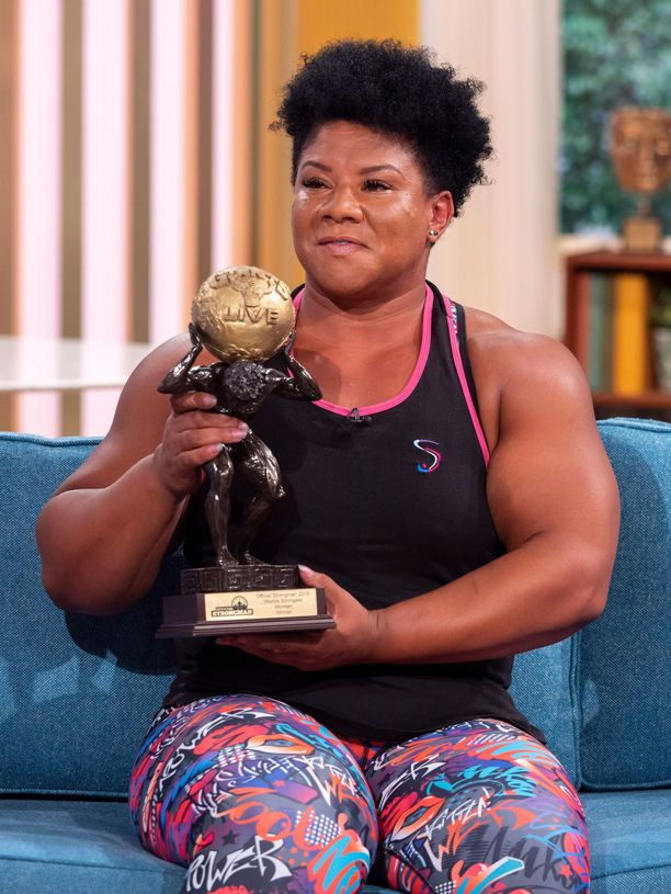Andrea Thompson on Iso-Britannian vahvin nainen.