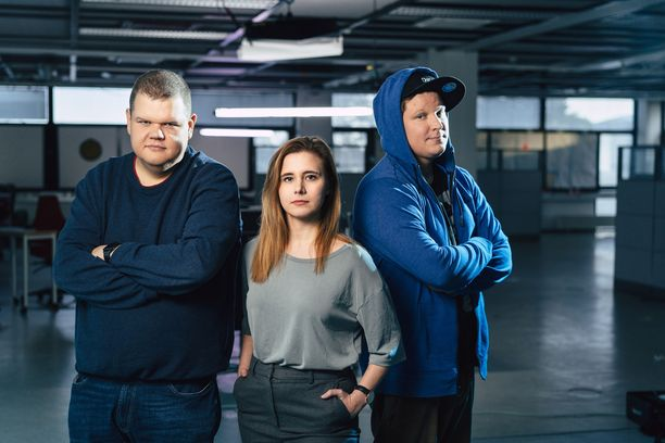 Iiro Uusitalo, Laura Kankaala ja Benjamin Särkkä ovat niin kutsuttuja valkohattuhakkereita.