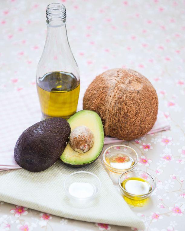 Valtaosa ruokavalion rasvasta tulisi olla peräisin kasvipohjaisista, tyydyttämättömistä rasvoista. Kovista rasvoista ei tarvitse silti luopua kokonaan etenkään, jos ne ovat kasviperäisiä, ravitsemusterapeutti Sotiria Everett neuvoo.