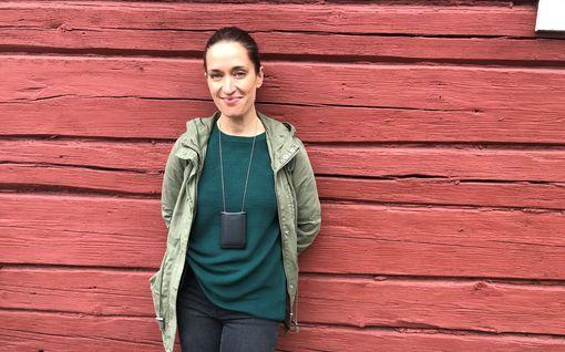 Elsa Saisio ei kulttuuriperheen lapsena saanut katsoa Kummeleita – näyttelee nyt toista pääroolia kyseisen ryhmän elokuvassa