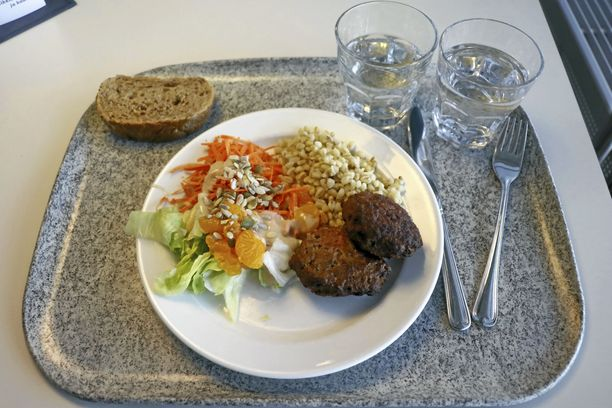 Jauhelihapihvejä ei ensi helmikuun jälkeen nähdä Helsingin yliopiston opiskelijaravintoloissa.