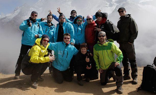 Ancara ja Signmark vetivät yhdessä maailman korkeimman sähköisen rock-keikan Mount Everestin tuntumassa.