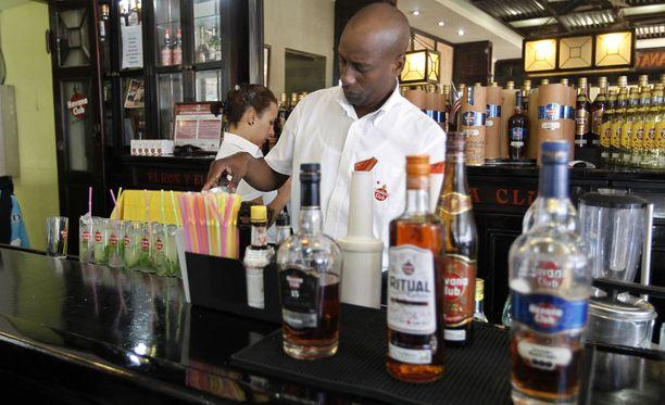 Kuubalainen rommi on kuuluisa vientituote, joka saattaa sopia myös valtionvelan maksamiseen.