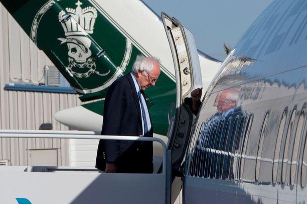 Bernie Sanders, 72, on kovasti vasemmalla ja saa tukea erityisesti alle 30-vuotiailta, mutta pärjää huonosti iäkkäämpien ja vähemmistöjen keskuudessa.