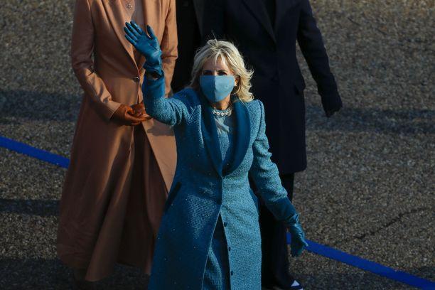 USA:n ensimmäinen nainen Jill Biden presidentti Joe Bidenin virkaanastujaisissa.