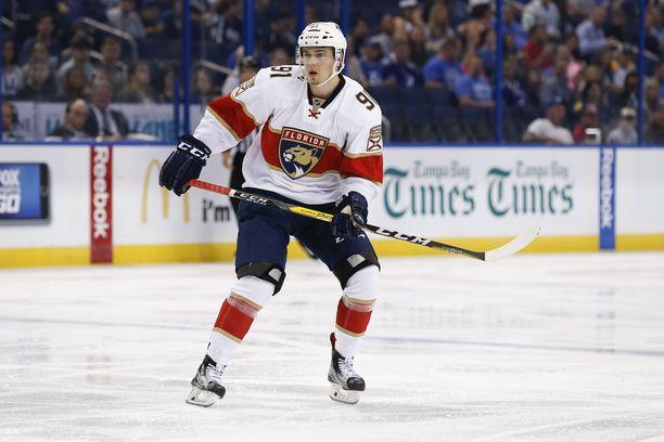 Juho Lammikko pääsee viimein pukemaan pantteripaidan uransa ensimmäiseen NHL-otteluun.