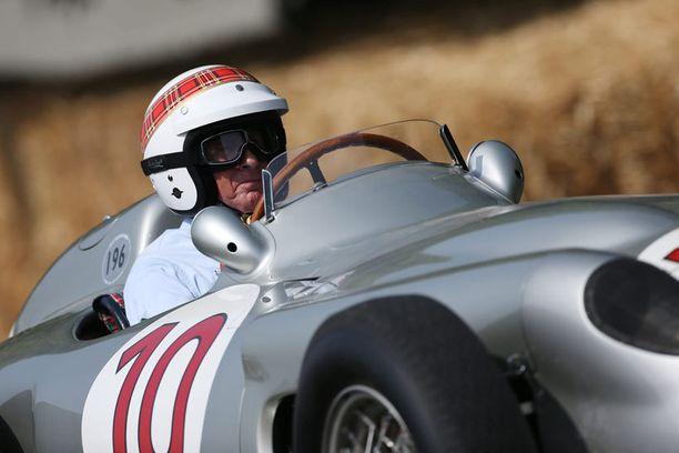 Goodwood Festival of Speed -tapahtumassa Mercedes W196:n ratissa nähtiin entinen F1-maailmanmestari Jackie Stewart.