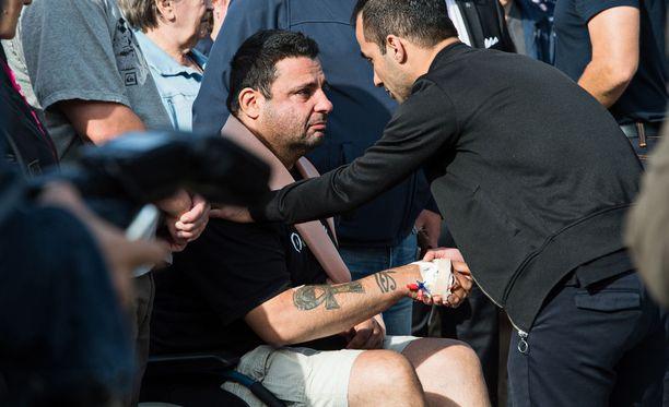 Englantilainen Hassan Zubier yritti auttaa Turun torilla puukotettua naista, mutta joutui itsekin uhriksi.